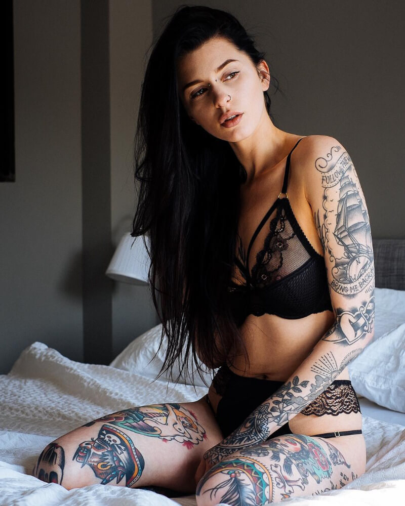 brunet-tattoo-girls.jpg